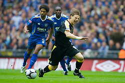 LONDON, ENGLAND - Saturday, May 17, 2008: Cardiff City's Glenn Loovens during the FA Cup Final against Portsmouth at Wembley Stadium. (Photo by David Rawcliffe/Propaganda)