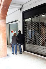 20120306 NEGOZI CHIUSI SAN ROMANO