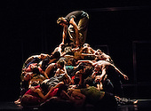 National Youth Dance Company / Sidi Larbi Cherkaoui — Frame[d]