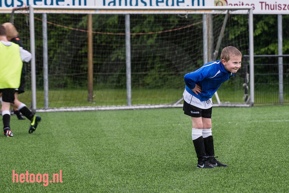 nederland,zwolle, 29mei2013 Met haar stichting TeamSupport Berkum geeft voetbalvereniging Berkum uit Zwolle sinds 2004 concreet invulling aan haar maatschappelijke functie.  één van de initiatieven: VoetbalSpeciaal! voor autistische kinderen. elke woensdag trainen twee VoetbalSpeciaal!-groepen (8 t/m 12 jaar en vanaf 13 jaar) achter elkaar. Het succesvolle initiatief mondde zelfs uit in een landelijke studiedag Sport en Autisme, georganiseerd door TeamSupport Berkum, met partners KIDS Zwolle, Landstede Topsportcentrum en CALO Windesheim.