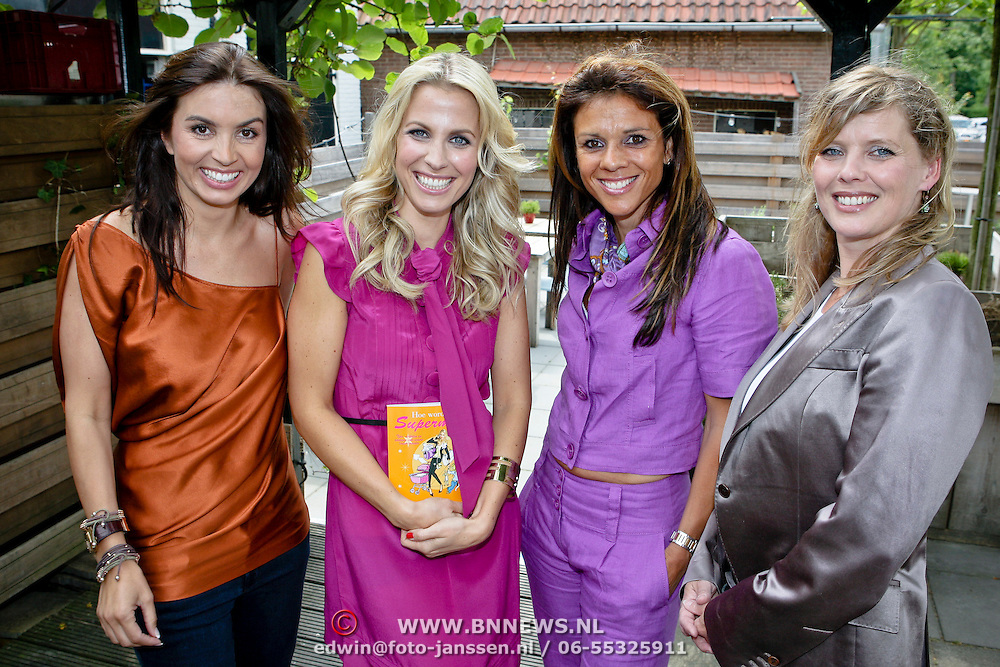 NLD/Oudekerk a/d Amstel/20080618 - Boekpresentatie Vivianne Ewbank, Rosanna Lima, Viviane Ewbank, Babette van Veen