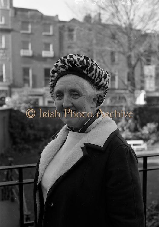 17/11/1964<br /> 11/17/1964<br /> 17 November 1964<br /> <br /> Mrs Mary Toony, Secretary of Fr. Domnic Comann who attended her 32nd Fianna Fail Ard Fheis