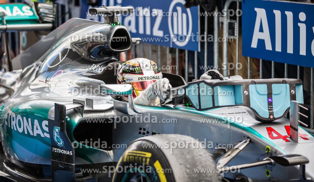 21.06.2015, Red Bull Ring, Spielberg, AUT, FIA, Formel 1, Grosser Preis von Österreich, Rennen, im Bild 2. Platz Lewis Hamilton, (GBR, Mercedes AMG Petronas F1 Team) // during the Race of the Austrian Formula One Grand Prix at the Red Bull Ring in Spielberg, Austria, 2015/06/21, EXPA Pictures © 2015, PhotoCredit: EXPA/ Dominik Angerer