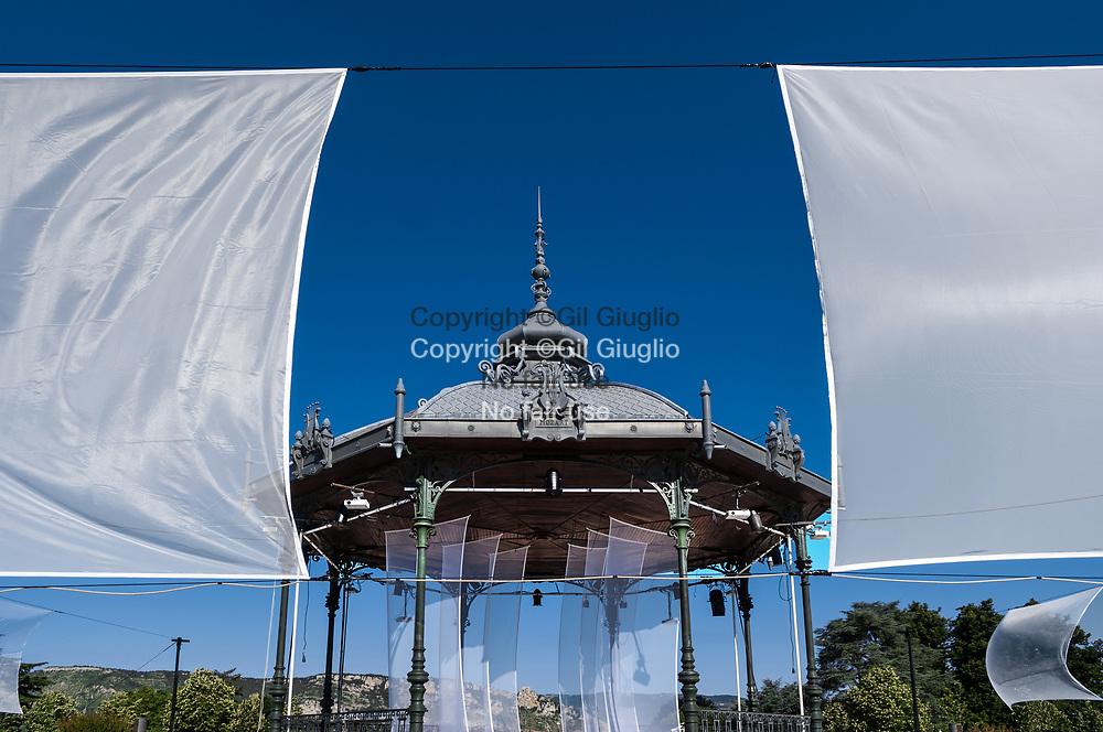 France, Auvergne-Rhône-Alpes, Drôme (26), centre-ville de Valence, Kiosque Sempé // France,  Auvergne Rhone Alpes region, department of Drome, downtown, Valence city, Sempe Kiosque