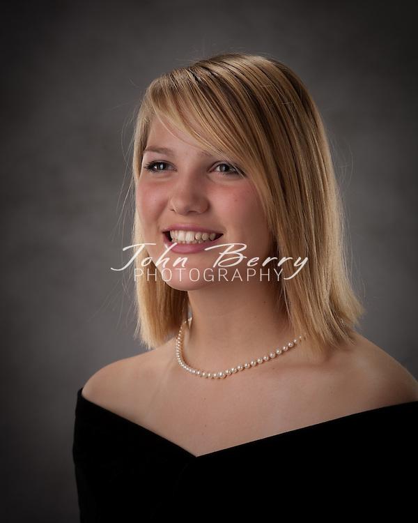 Jenna Tylar   .Senior Formals .11/21/09