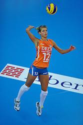 30-10-2011 VOLLEYBAL: NEDERLAND - BELGIE: ZWOLLE <br /> Nederland wint de tweede oefenwedstrijd met 3-2 van Belgie / Captain Manon Flier<br /> ©2011-WWW.FOTOHOOGENDOORN.NL