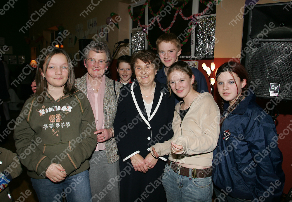 Teachers Amy Murphy and Helen Conway pictured with Siobhan Burke, Aver Quilligan, Henry Purcell, Siobhan Winters and Amy O'Flaherty at retirement bash for Amy Murphy and Helen Conway at Tulla Community Centre. Pic Sean Curtin Press 22.
