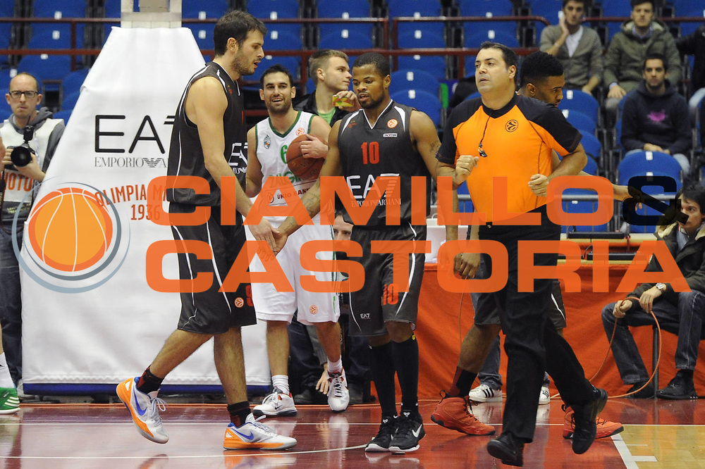 DESCRIZIONE : Milano Eurolega Eurolegue 2012-13 EA7 Emporio Armani Milano Zalgiris Kaunas <br /> GIOCATORE : Omar Cook <br /> SQUADRA : EA7 Emporio Armani Milano<br /> CATEGORIA : delusione<br /> EVENTO : Eurolega 2012-2013<br /> GARA :  EA7 Emporio Armani Milano Zalgiris Kaunas<br /> DATA : 07/12/2012<br /> SPORT : Pallacanestro<br /> AUTORE : Agenzia Ciamillo-Castoria/ GiulioCiamillo<br /> Galleria : Eurolega 2012-2013<br /> Fotonotizia : Milano Eurolega Eurolegue 2012-13  EA7 Emporio Armani Milano Zalgiris Kaunas<br /> Predefinita :