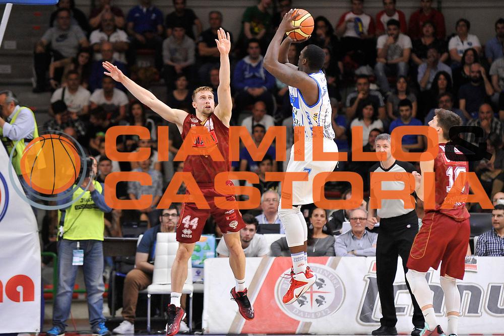 DESCRIZIONE : Campionato 2014/15 Dinamo Banco di Sardegna Sassari - Umana Reyer Venezia<br /> GIOCATORE : Rakim Sanders<br /> CATEGORIA : Tiro Controcampo<br /> SQUADRA : Dinamo Banco di Sardegna Sassari<br /> EVENTO : LegaBasket Serie A Beko 2014/2015<br /> GARA : Dinamo Banco di Sardegna Sassari - Umana Reyer Venezia<br /> DATA : 03/05/2015<br /> SPORT : Pallacanestro <br /> AUTORE : Agenzia Ciamillo-Castoria/C.Atzori