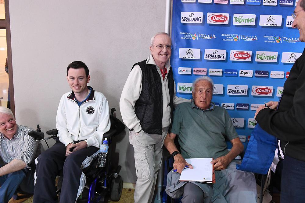 Dan Peterson, Sandro Gamba<br /> Raduno Nazionale Maschile Senior<br /> Allenamento pomeriggio<br /> Folgaria, 26/07/2017<br /> Foto Ciamillo-Castoria/ GiulioCiamillo