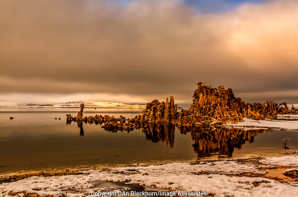 Winter Afternoon Light on Mono Lake & Pogonip Fog