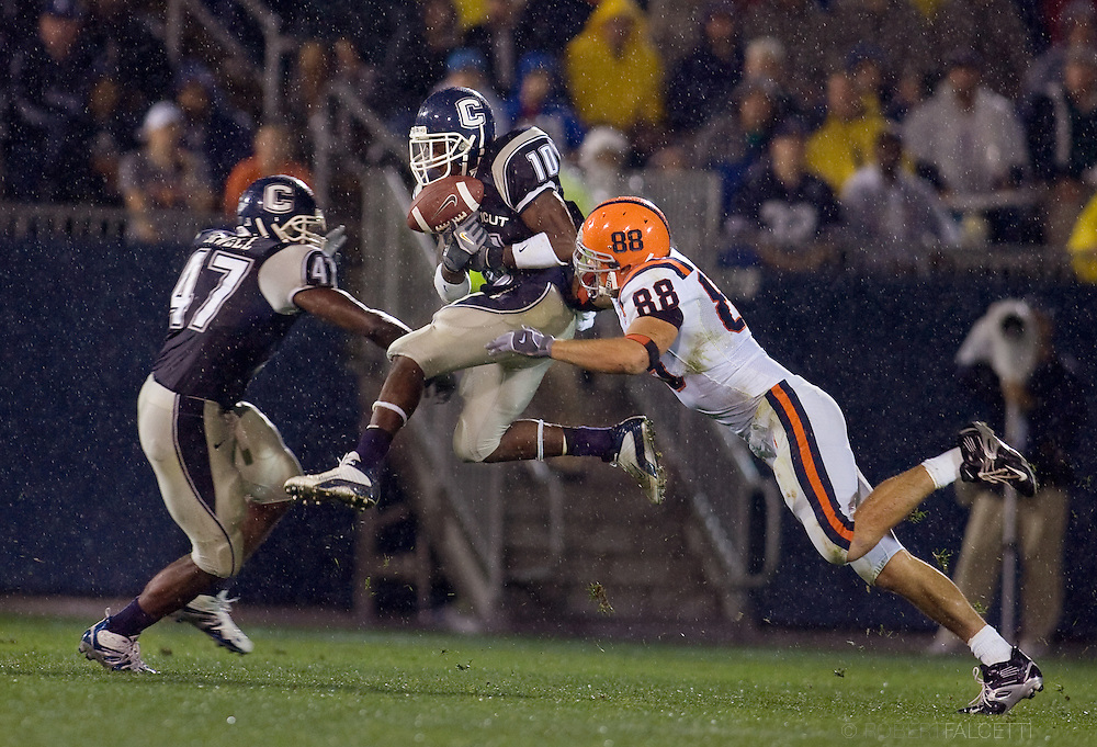 Connecticut vs Syracuse, NCAA Div. I football at Rentschler Field, East Hartford, CT. (Photo by Robert Falcetti). .
