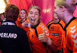 20-12-2015 DEN: World Championships Handball 2015 Nederland - Noorwegen, Herning<br /> Finale WK Handbal / Nederland verliest kansloos de finale van Noorwegen en moet genoegen nemen met zilver / Estavana Polman #79 kon toch nog lachen