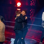 NLD/Hilversum/20190201- TVOH 2019 1e liveshow, opkomst juryleden, Little Kleine danst met Anouk Teeuwe