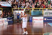 DESCRIZIONE : Cagliari Qualificazione Eurobasket 2009 Serbia Italia <br /> GIOCATORE : Luigi Datome Tifosi <br /> SQUADRA : Nazionale Italia Uomini <br /> EVENTO : Raduno Collegiale Nazionale Maschile <br /> GARA : Serbia Italia Serbia Italy <br /> DATA : 20/08/2008 <br /> CATEGORIA : Ritratto Esultanza <br /> SPORT : Pallacanestro <br /> AUTORE : Agenzia Ciamillo-Castoria/S.Silvestri <br /> Galleria : Fip Nazionali 2008 <br /> Fotonotizia : Cagliari Qualificazione Eurobasket 2009 Serbia Italia <br /> Predefinita :