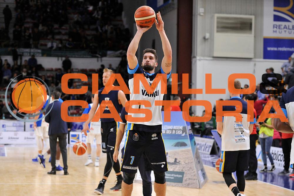 Fabio Mian<br /> Banco di Sardegna Dinamo Sassari - Vanoli Cremona<br /> LegaBasket Serie A LBA Poste Mobile 2016/2017<br /> Sassari 26/11/2016<br /> Foto Ciamillo-Castoria