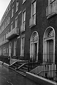 1961 - Georgian Houses at Fitzwilliam Street, Dublin.     B989.