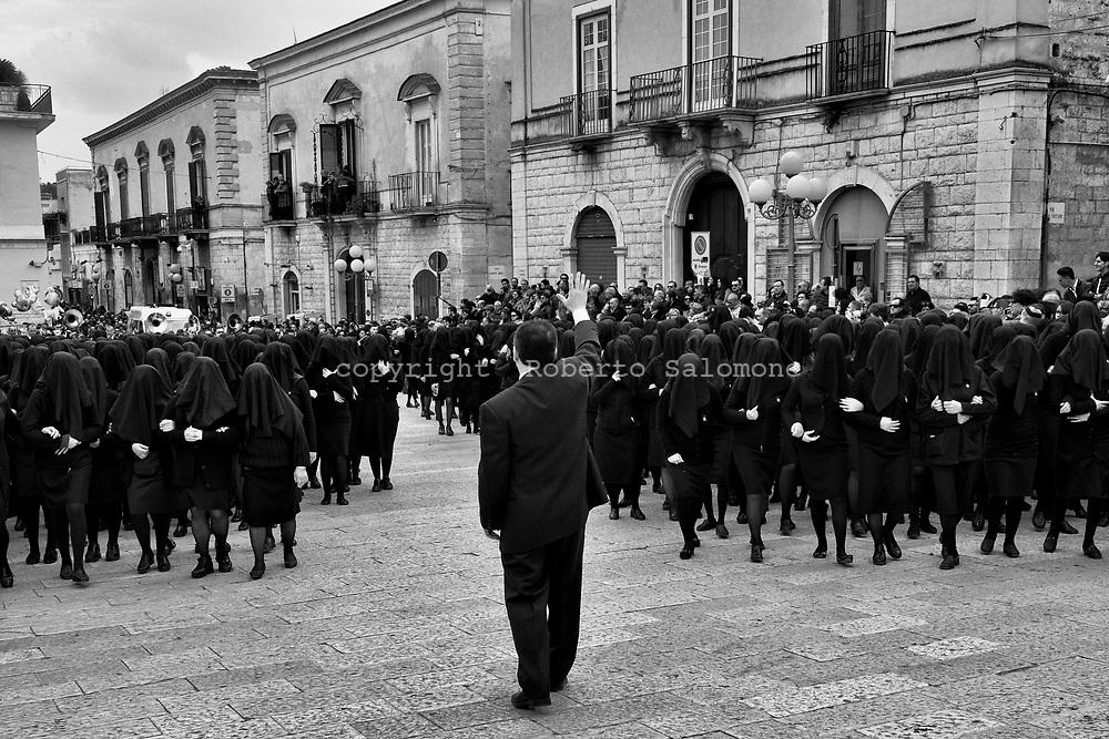 Canosa di Puglia. Italia -  26 marzo 2016 - Processione della Desolata nel Venerdì Santo di Pasqua.