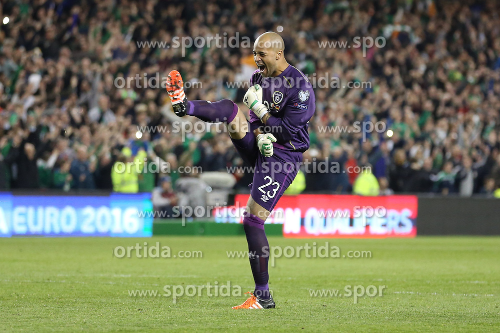 08.10.2015, Avia Stadium, Dublin, IRL, UEFA Euro Qualifikation, Irland vs Deutschland, Gruppe D, im Bild Torwart Darren Randolph freut sich uber den Sieg // during the UEFA EURO 2016 qualifier group D match between Ireland and Germany at the Avia Stadium in Dublin, Ireland on 2015/10/08. EXPA Pictures &copy; 2015, PhotoCredit: EXPA/ Eibner-Pressefoto/ Risto Bozovic<br /> <br /> *****ATTENTION - OUT of GER*****