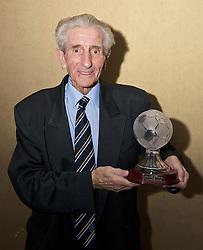 LIVERPOOL, ENGLAND - Friday, November 27, 2009: Dave Hickson at the Health Through Sport charity dinner at the Devonshire House. (Photo by David Rawcliffe/Propaganda)