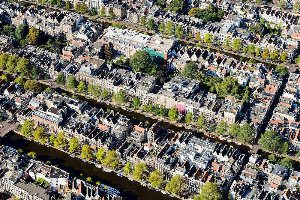 Nederland, Noord-Holland, Amsterdam, 27-09-2015; Binnenstad van Amsterdam, Grachtengordel ten westen van Raadhuisstraat. Singel, Herengracht, Keizersgracht. Hartenstraat, Reestraat, Wolvenstraat, Berenstraat.<br /> Belt of Canals, Amsterdam City Centre.<br /> <br /> luchtfoto (toeslag op standard tarieven);<br /> aerial photo (additional fee required);<br /> copyright foto/photo Siebe Swar