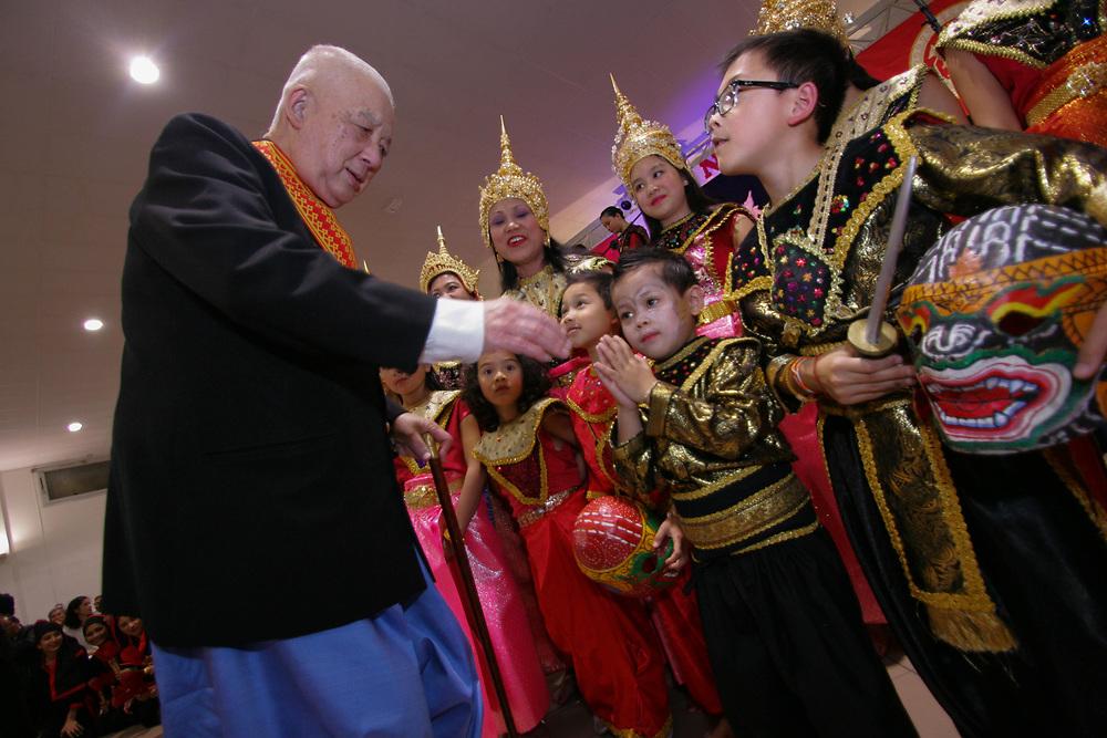 L'association Fa-Ngum organise son gala &agrave; l'occasion du nouvel an lao 2553 E.B &agrave; Ozoir la Ferri&egrave;re (77-Seine et Marne).<br /> <br /> Prince Sauryavong Savang avec l'Ecole du Ballet Royal Lao