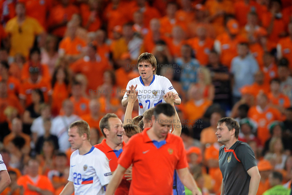 21-06-2008 VOETBAL: EURO 2008 NEDERLAND - RUSLAND: BASEL<br /> Nederland verliest in de verlenging met 3-1 van Rusland / Dmitri Torbinski scoort de 2-1<br /> &copy;2008-WWW.FOTOHOOGENDOORN.NL