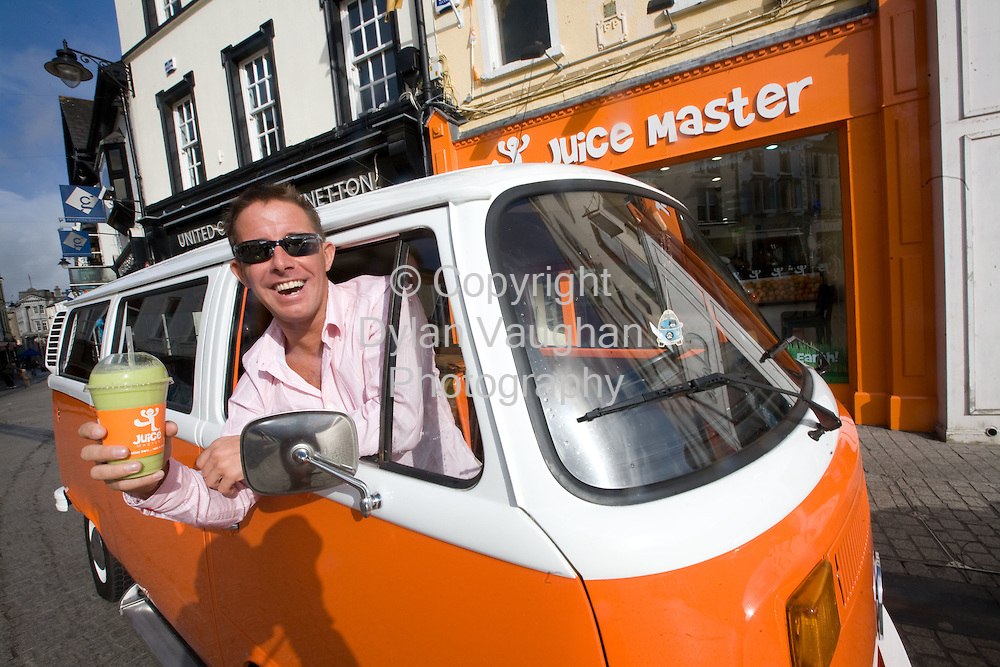 8/3/2008.Free picture no charge for use.The Juice Master Jason Vale opening his second Juice Bar in Ireland at John Roberts Square, Waterford..Picture Dylan Vaughan.