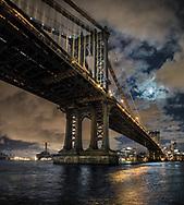 NYC, Manhattan bridge, full moon, east river.