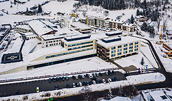 THEMENBILD - Aussenansicht des Tauern Klinikum Zell am See im Winter, aufgenommen am 27. Januar 2019 in Zell am See, Oesterreich // Exterior view of the Tauernklinikum in Zell am See, Austria on 2019/01/27. EXPA Pictures © 2019, PhotoCredit: EXPA/ JFK