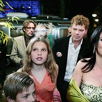 """Nederland,Amsterdam ,16 februari 2006.<br /> Schrijfster columnist Heleen van Royen tijdens de boekpresentatie van haar laatste roman """"de Ontsnapping"""" in Rain op Rembrandtplein.<br /> Op de foto arriveert Heleen van Royen met haar man Ton van Royen haar 2  kinderen.<br /> Foto: Jean-Pierre Jans"""