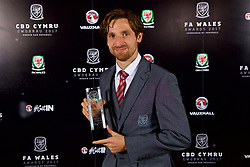 CARDIFF, WALES - Monday, October 2, 2017: FAW Fans' Player of the Year Joe Allen with his award during the FAW Awards Dinner at the Hensol Castle. (Pic by David Rawcliffe/Propaganda)