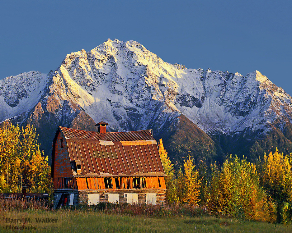 Colony barn in front of Pioneer Peak; Matanuska-Susitna Valley Alaska