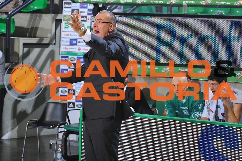 DESCRIZIONE : Treviso Lega A 2010-11 Benetton Treviso Cimberio Varese<br /> GIOCATORE : Jasmin Repesa Coach<br /> SQUADRA : Benetton Treviso<br /> EVENTO : Campionato Lega A 2010-2011 <br /> GARA : Benetton Treviso Cimberio Varese<br /> DATA : 06/11/2010<br /> CATEGORIA : Delusione<br /> SPORT : Pallacanestro <br /> AUTORE : Agenzia Ciamillo-Castoria/M.Gregolin<br /> Galleria : Lega Basket A 2010-2011 <br /> Fotonotizia : Treviso Lega A 2010-11 Benetton Treviso Cimberio Varese<br /> Predefinita :