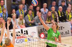 09-04-2016 NED: Coolen Alterno - Springendal Set Up 65, Apeldoorn<br /> Set Up wint met 3-2 en dat blijkt genoeg om zich te plaatsen voor de finale. / Joëlle Vile #12 of Alterno