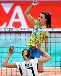 27-09-2015 NED: Volleyball European Championship Slovenie - Italie, Apeldoorn<br /> Italie wint met 3-0 van Slovenie / Sara Hutinski #2<br /> Photo by Ronald Hoogendoorn / Sportida