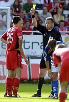Fotball, Tippeligaen, 07 August 2005, Brann - Aalesund, resultat 0-0, Paul Scharner, Brann, får gult kort. Foto: Kjetil Espetvedt, Digitalsport.
