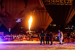 05.02.2018, Lechnerberg, Kaprun, AUT, Nacht der Ballone, im Bild ferngesteuerter LED Hubschrauber // remote-controlled LED helicopter during the International Balloonalps Week, Lechnerberg, Kaprun, Austria on 2018/02/05. EXPA Pictures © 2018, PhotoCredit: EXPA/ JFK