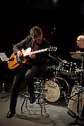 Guitarist Peter Bernstein performing with the Lori Mechem Trio to a sold out crowd at the Nashville Jazz Workshop.