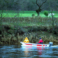 Missing girl...26.12.98.<br />Tayside Police officers search the banks of the River Tay for missing Perth  teenager Sally Greig,18.<br /><br />Picture Copyright:  John Lindsay / Perthshire Picture Agency.<br />30 James Street, Perth. PH2 8LZ.<br />Tel. 01738 623350. mobile 07775 852112<br />(Vat Reg No 716 8222 37).