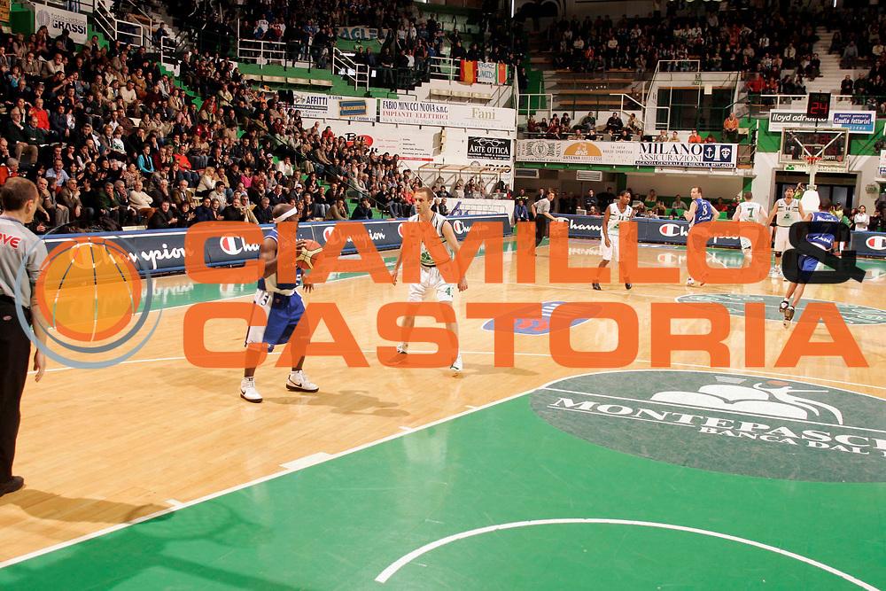 DESCRIZIONE : SIENA CAMPIONATO LEGA A1 2004-2005 <br /> GIOCATORE : CHAMPION <br /> SQUADRA : <br /> EVENTO : CAMPIONATO LEGA A1 2004-2005 <br /> GARA : MONTEPASCHI SIENA-VERTICAL VISION CANTU <br /> DATA : 17/04/2005 <br /> CATEGORIA : <br /> SPORT : Pallacanestro <br /> AUTORE : Agenzia Ciamillo-Castoria/P.Lazzeroni