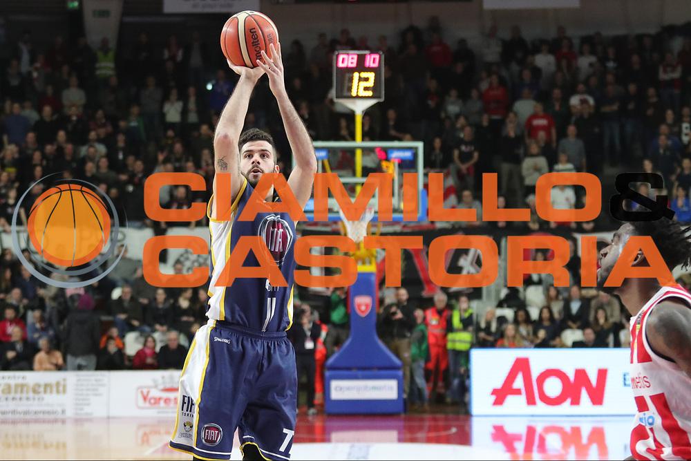 Iannuzzi Antonio<br /> Openjobmetis Varese - Fiat Torino<br /> Lega Basket Serie A 2017/2018<br /> Varese, 14/01/2018<br /> Foto Ciamillo - Castoria