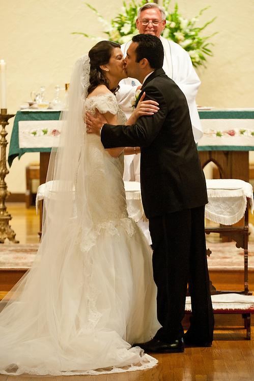 10/9/11 5:48:52 PM -- Zarines Negron and Abelardo Mendez III wedding Sunday, October 9, 2011. Photo©Mark Sobhani Photography