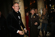 Giles Deacon and Stephen Jones, The British Fashion Awards  2006 sponsored by Swarovski . Victoria and Albert Museum. 2 November 2006. ONE TIME USE ONLY - DO NOT ARCHIVE  © Copyright Photograph by Dafydd Jones 66 Stockwell Park Rd. London SW9 0DA Tel 020 7733 0108 www.dafjones.com