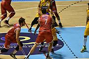 DESCRIZIONE : Torino Lega A 2015-2016 Manital Torino - Grissin Bon Reggio Emilia<br /> GIOCATORE : Stefano Gentile Darius Lavrinovic<br /> CATEGORIA : Palleggio Penetrazione Blocco<br /> SQUADRA : Grissin Bon Reggio Emilia<br /> EVENTO : Campionato Lega A 2015-2016<br /> GARA : Manital Torino - Grissin Bon Reggio Emilia<br /> DATA : 05/10/2015<br /> SPORT : Pallacanestro<br /> AUTORE : Agenzia Ciamillo-Castoria/GiulioCiamillo