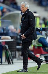 20.10.2016, Red Bull Arena, Salzburg, AUT, UEFA EL, FC Red Bull Salzburg vs OGC Nizza, Gruppe I, im Bild Coach Lucien Favre (OGC Nice) // Coach Lucien Favre (OGC Nice) during the UEFA Europa League group I match between FC Red Bull Salzburg and OGC Nizza at the Red Bull Arena in Salzburg, Austria on 2016/10/20. EXPA Pictures © 2016, PhotoCredit: EXPA/ JFK