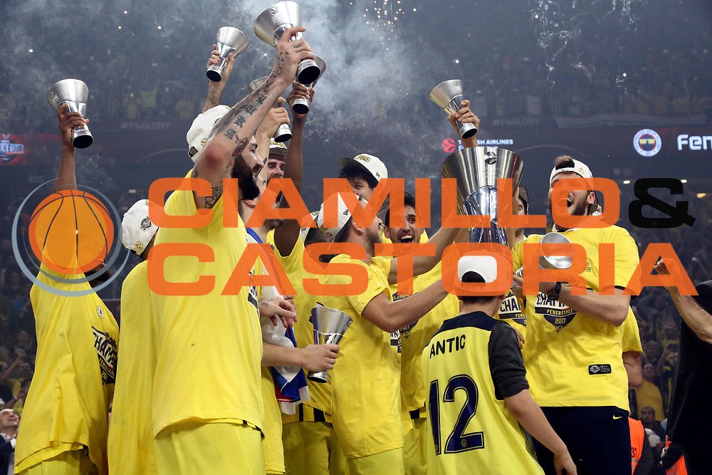team Fenerbahce Istanbul<br /> Fenerbahce Istanbul - Olympiakos Piraeus<br /> Euroleague Final Four 2017<br /> Finale 1 - 2 Posto<br /> Euroleague 2016/2017<br /> Istanbul, 21/05/2017<br /> Foto M.Ceretti / Ciamillo - Castoria