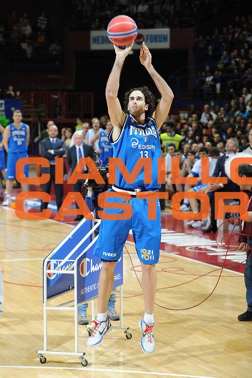 DESCRIZIONE : Milano Agos Ducato All Star Game 2011<br /> GIOCATORE : Luigi Datome<br /> SQUADRA : Italia Nazionale Maschile All Star Team<br /> EVENTO : All Star Game 2011<br /> GARA : Italia All Star Team<br /> DATA : 13/03/2011<br /> CATEGORIA : gara tiro tre<br /> SPORT : Pallacanestro<br /> AUTORE : Agenzia Ciamillo-Castoria/C.De Massis<br /> Galleria : FIP Nazionali 2011<br /> Fotonotizia :  Milano Agos Ducato All Star Game 2011<br /> Predefinita :