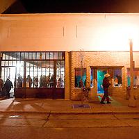 041113       Brian Leddy<br /> Patrons gather near Crashing Thunder Gallery during the March ArtsCrawl.