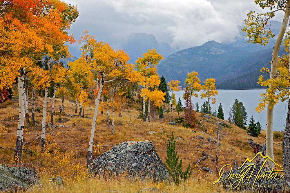 Autumn colors at Green River Lake in the Wind River Mountains